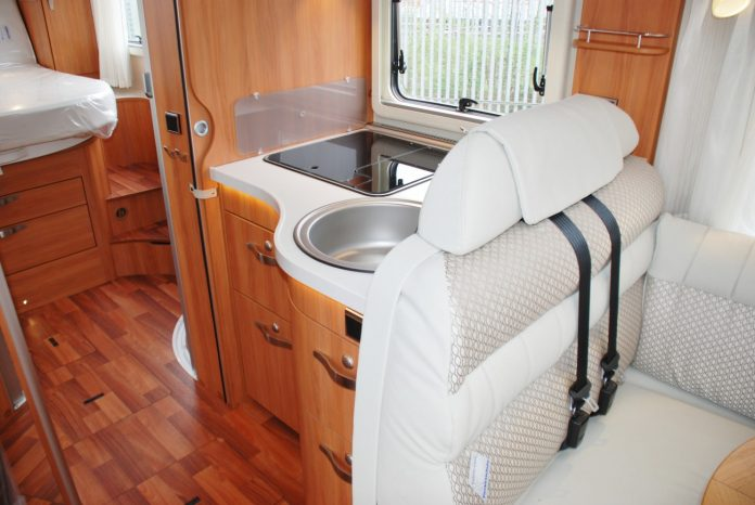 hymer-b-starline-690-interior-3