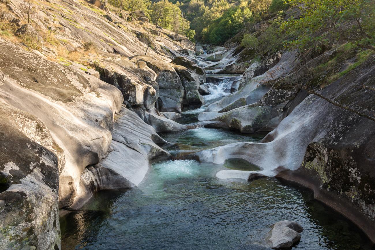 Escapada outdoor por el valle del jerte autocaravanas for Escapada rural piscinas naturales