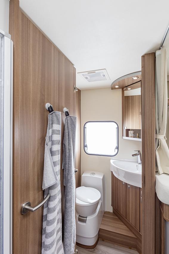 Modelo perfilado familiar con 2 distribuciones camas for Cama familiar